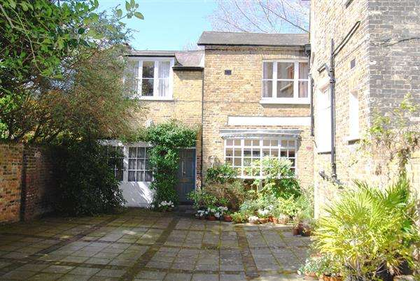 3 Bedrooms House for sale in Coach House, The Glebe, London