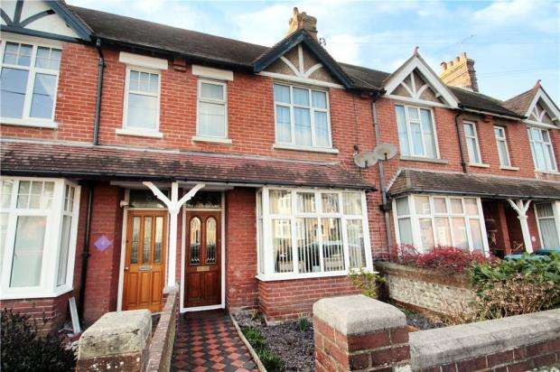 3 Bedrooms Terraced House for sale in Maxwell Road, Littlehampton, BN17