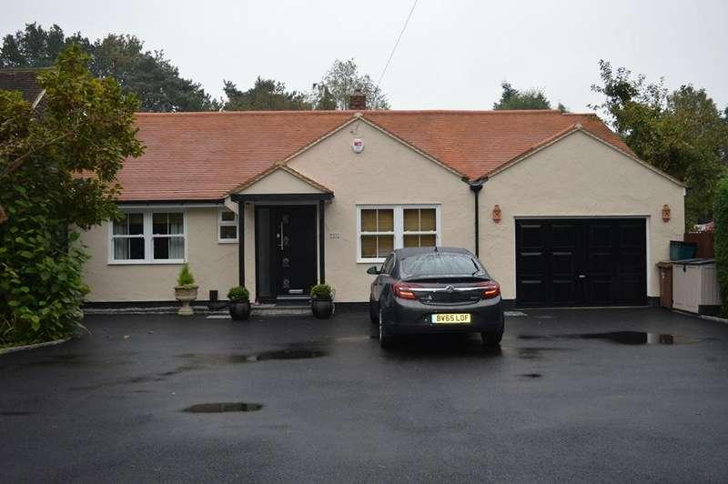 3 Bedrooms Detached Bungalow for sale in Nine Mile Ride, Finchampstead, Wokingham, Berkshire, RG40 3NT