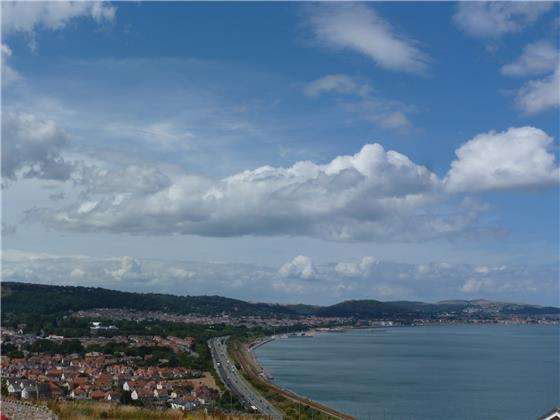 2 Bedrooms Penthouse Flat for sale in 59 Penmaen Bod Elias, Old Colwyn, LL29 8BL