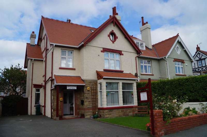7 Bedrooms Semi Detached House for sale in 27 Saint Mary s Road, Llandudno, LL30 2UB