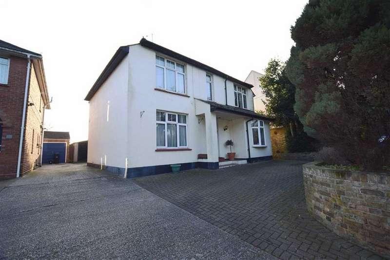 4 Bedrooms Detached House for sale in Goldhanger Road, Heybridge, Essex