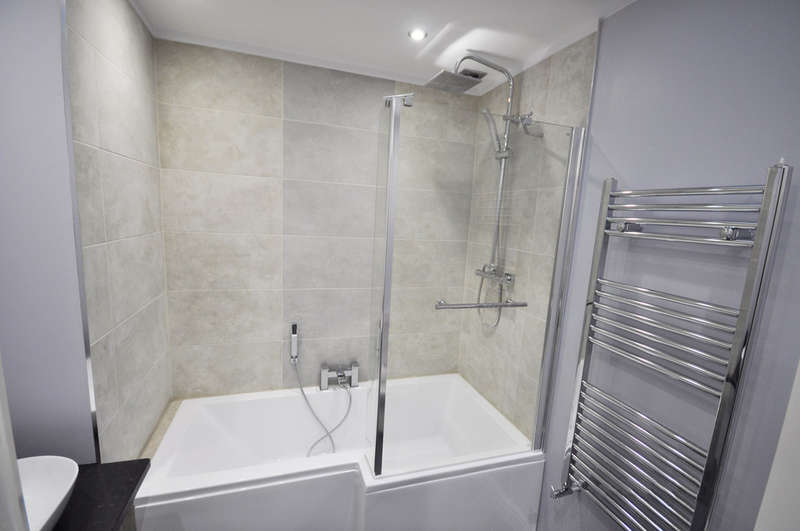 3 Bedrooms Terraced House for sale in Nares Road, Blackburn