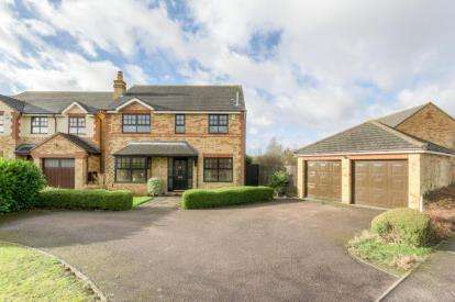 4 Bedrooms Detached House for sale in Beethoven Close, Old Farm Park, Milton Keynes