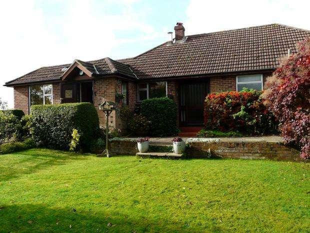 3 Bedrooms Bungalow for sale in Beedon Hill, Beedon, RG20