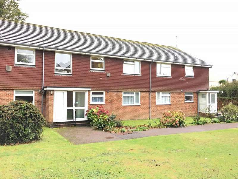 2 Bedrooms Apartment Flat for sale in Shortdean Place, Eastbourne, BN21