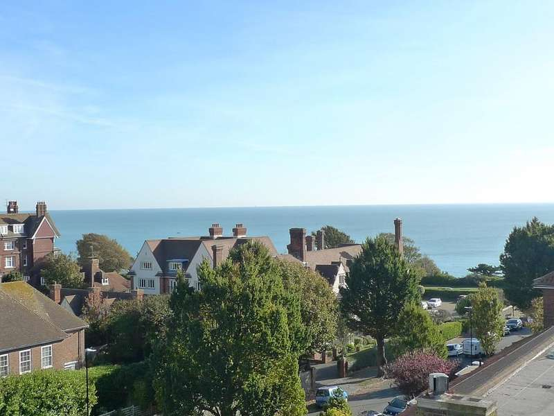 3 Bedrooms Apartment Flat for sale in Staveley Road, Eastbourne, BN20