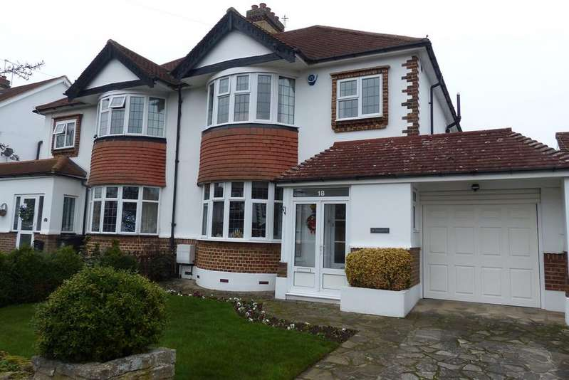 3 Bedrooms Semi Detached House for sale in Hurstdene Avenue, Hayes, BR2
