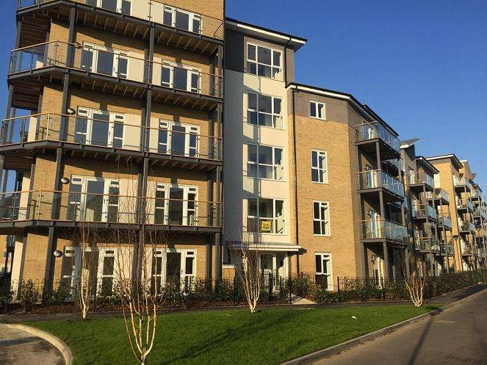 2 Bedrooms Flat for sale in The Melwood, Drayton Garden Village, West Drayton