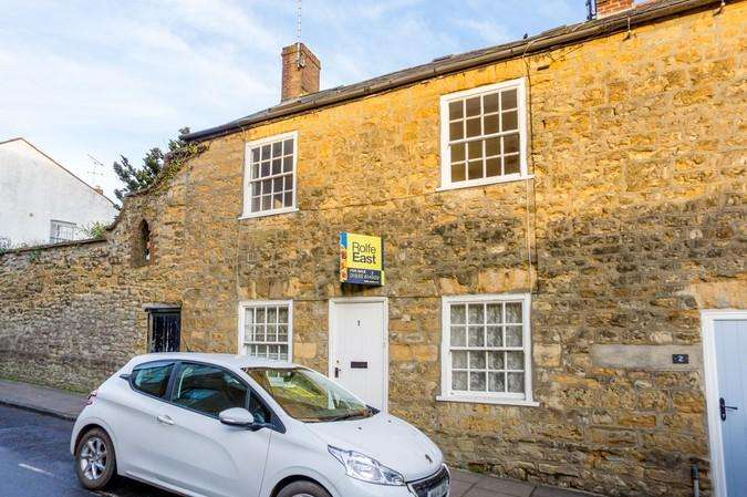 2 Bedrooms Flat for sale in Higher Cheap Street, Sherborne