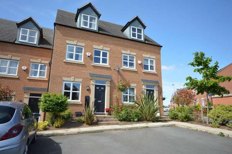 3 Bedrooms Town House for sale in Mill Pool Way, Sandbach