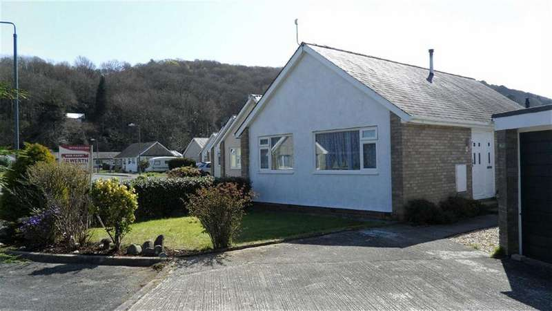 2 Bedrooms Detached Bungalow for sale in Maes Trefor, Talsarnau, Gwynedd