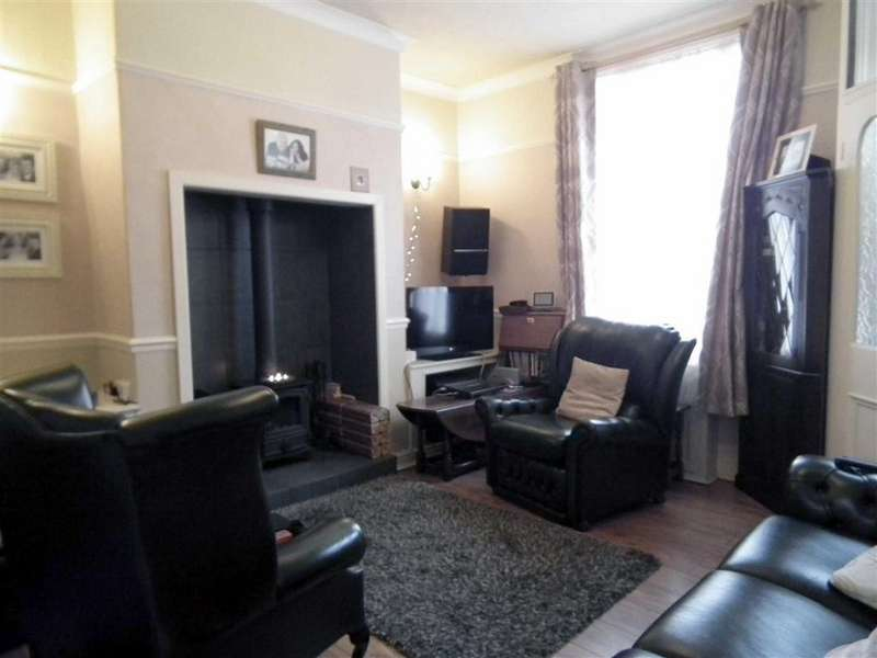 2 Bedrooms Terraced House for sale in Wynotham Street, Burnley, Lancashire