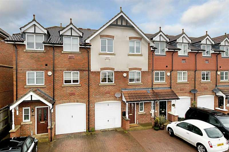4 Bedrooms Town House for sale in Lewis Mews, Snodland, ME6 5LN