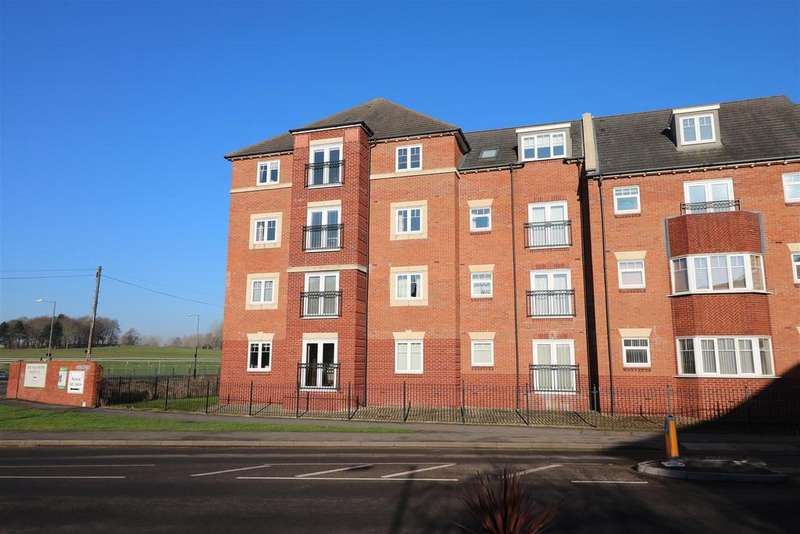 2 Bedrooms Apartment Flat for sale in Bread and Meat Close, Warwick
