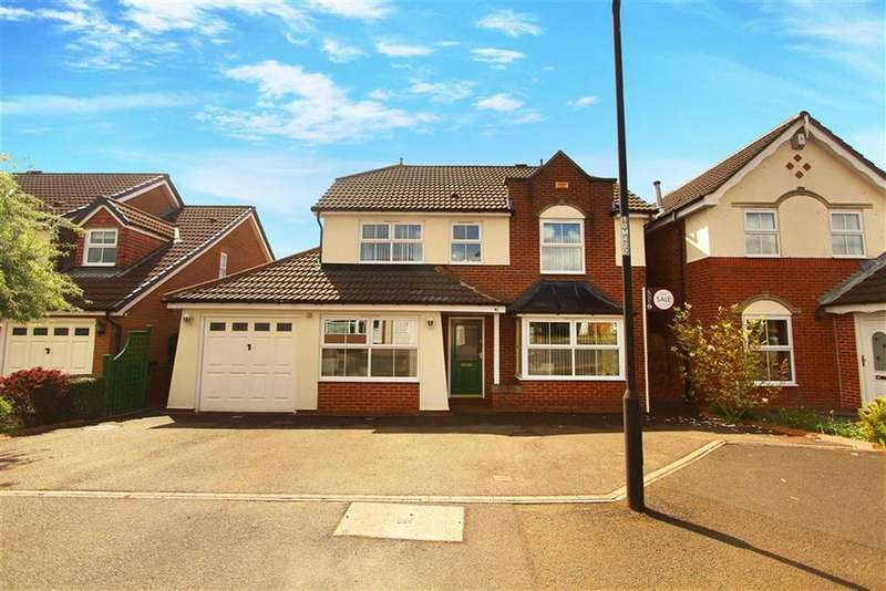 4 Bedrooms Detached House for sale in Manorfields, Benton