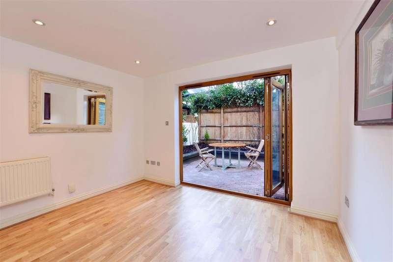 2 Bedrooms Flat for sale in Salusbury Road, London