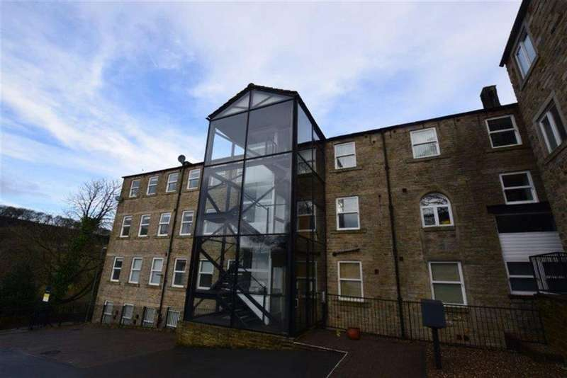 3 Bedrooms Flat for sale in Underbank Old Road, Holmfirth, HD9