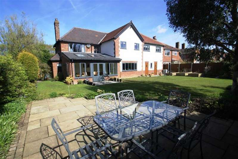 5 Bedrooms Detached House for sale in Chesham Road, Wilmslow