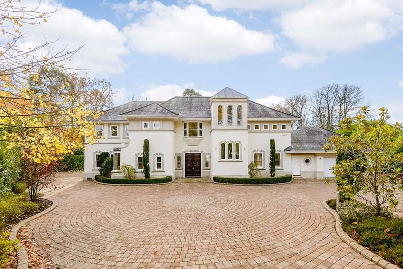 5 Bedrooms Detached House for sale in Wentworth Estate