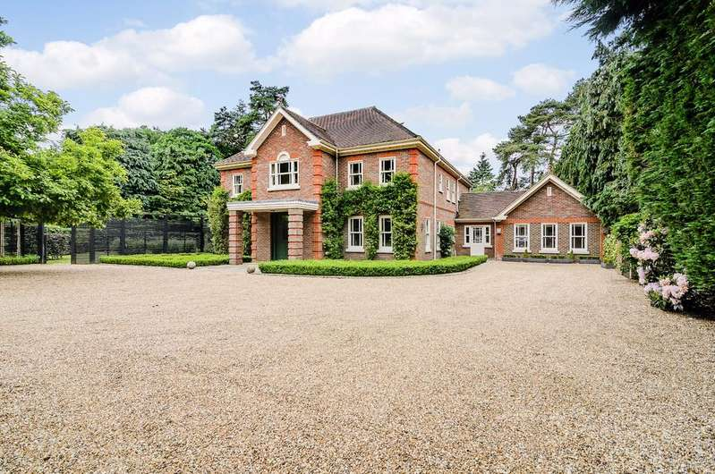 5 Bedrooms Detached House for sale in West Drive, Wentworth Estate, Virginia Water, Surrey GU25 4LY