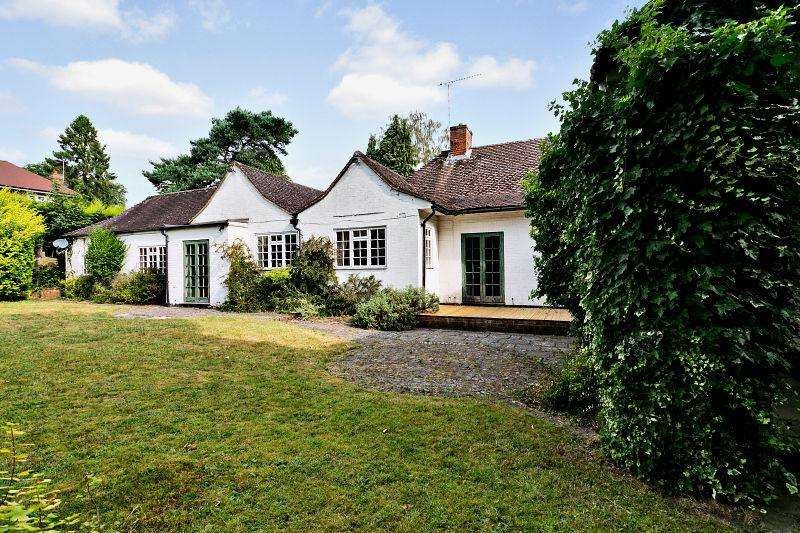 6 Bedrooms Detached Bungalow for sale in Queens Hill Rise, Ascot, Berkshire SL5 7DP