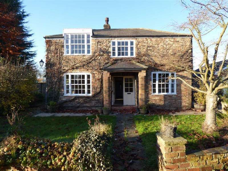 3 Bedrooms Cottage House for sale in Flaxton
