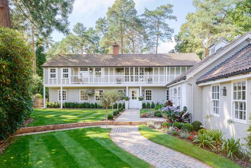 4 Bedrooms Detached House for sale in Friary Road, Ascot, Berkshire, SL5 9HD