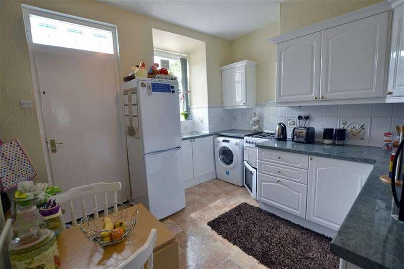 2 Bedrooms Terraced House for sale in Halifax Road, Brierfield, Lancashire