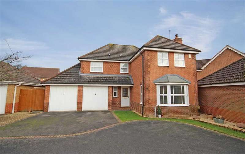 4 Bedrooms Detached House for sale in The Holt, Bishops Cleeve, Cheltenham, GL52