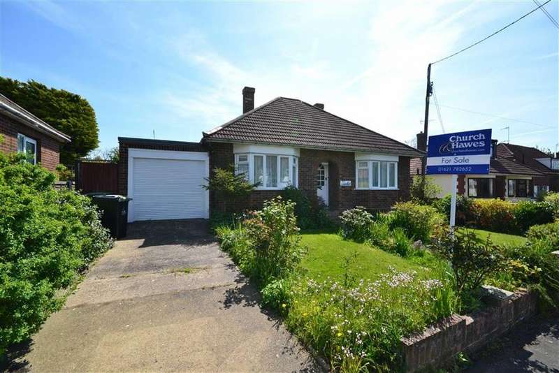 2 Bedrooms Bungalow for sale in Fernlea Road, Burnham-on-Crouch, Essex