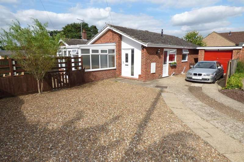 2 Bedrooms Detached Bungalow for sale in The Paddocks, Brandon