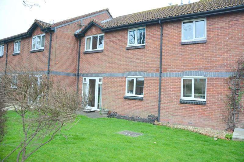 2 Bedrooms Ground Flat for sale in Priory Gardens, Burnham-On-Sea