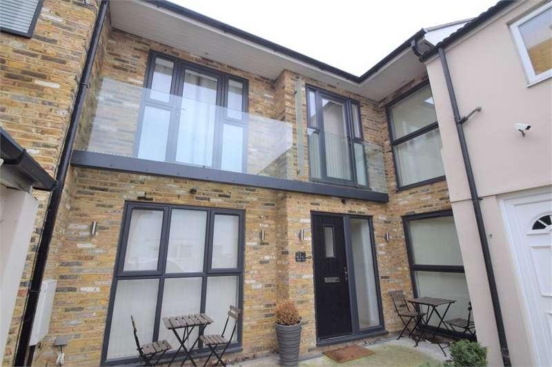 2 Bedrooms Terraced House for sale in Birkbeck Road, Beckenham, Kent
