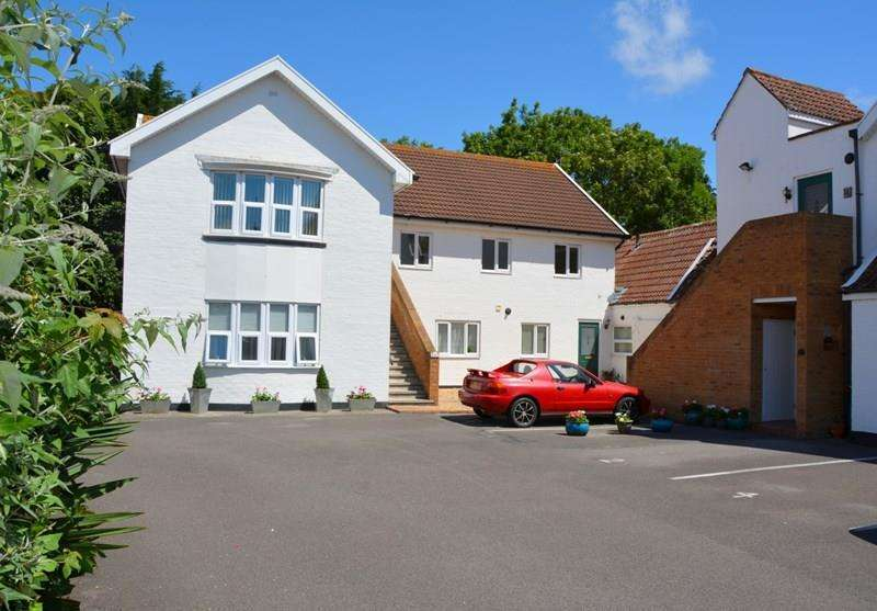 2 Bedrooms Flat for sale in Stoddens Road, Burnham-On-Sea