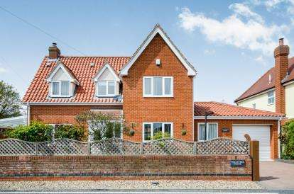 3 Bedrooms Detached House for sale in Langham, Colchester, Essex