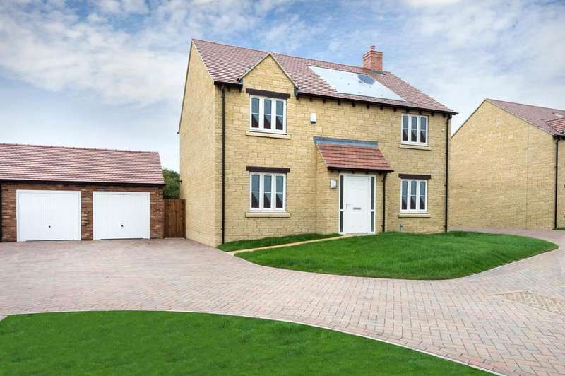 4 Bedrooms Detached House for sale in Blackberry Way, Woodstock, Oxon