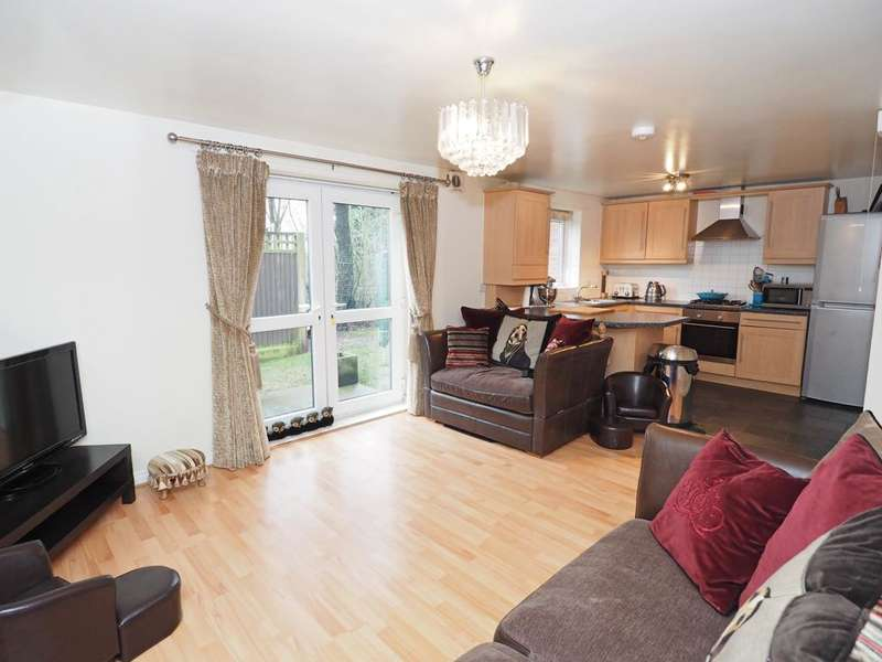 2 Bedrooms Apartment Flat for sale in Mellor View, Disley, Stockport, Cheshire, SK12 2AX