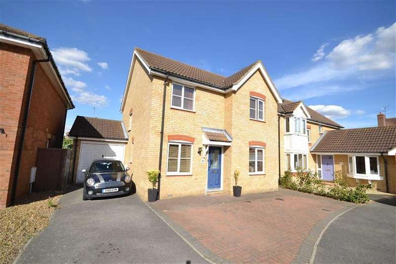4 Bedrooms Detached House for sale in Lavender Drive, Southminster, Essex