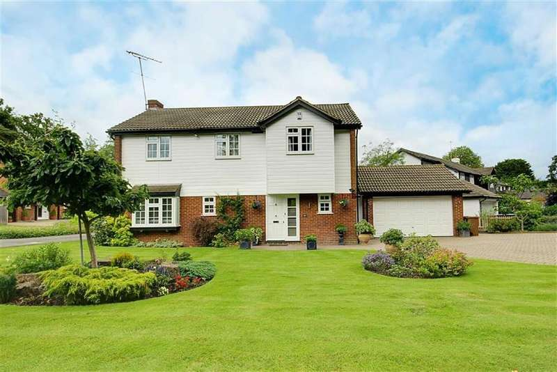4 Bedrooms Detached House for sale in Woodlands, Brookmans Park, Hertfordshire