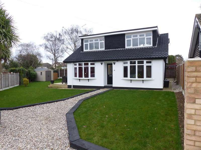 4 Bedrooms Chalet House for sale in Bay Close, Canvey Island