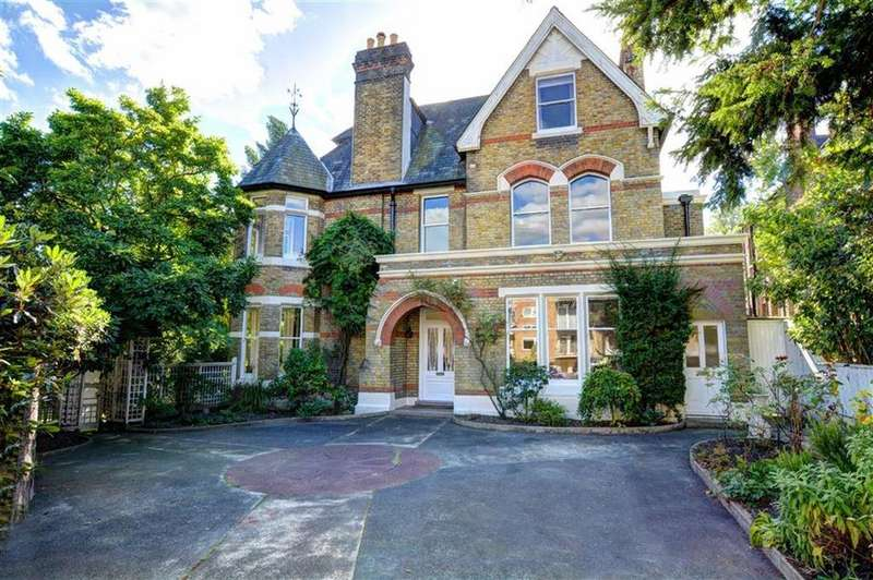 6 Bedrooms Detached House for sale in Beckenham Grove, Bromley, Kent