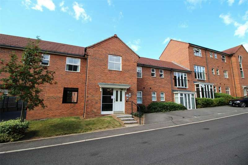 2 Bedrooms Flat for sale in Smalman Close, Wordsley, Stourbridge, West Midlands