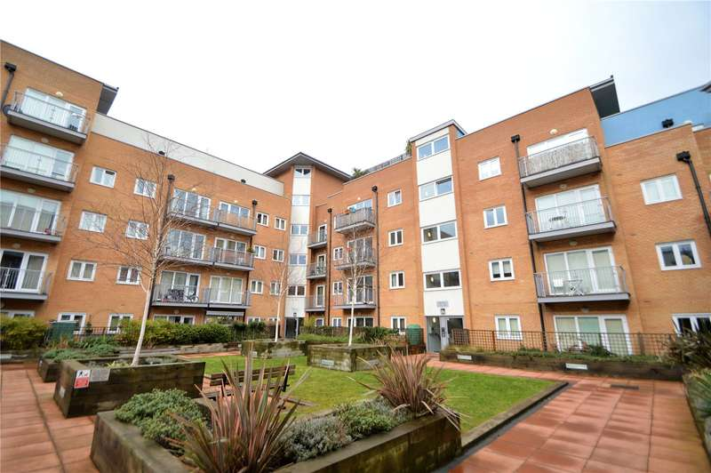 2 Bedrooms Apartment Flat for sale in Peebles Court, 21 Whitestone Way, Croydon