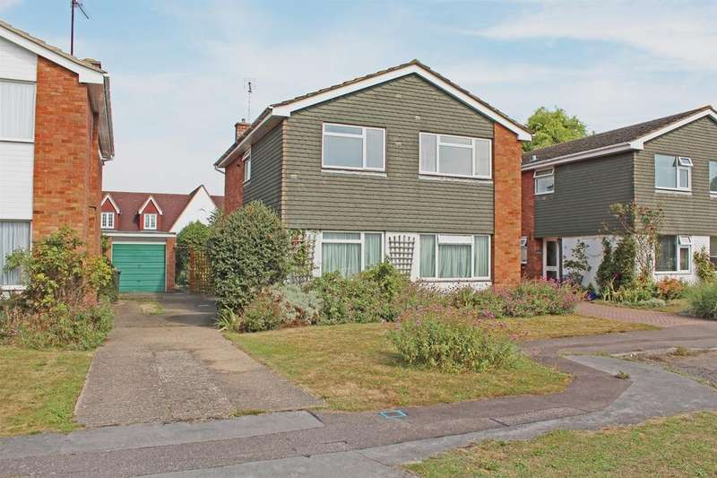 4 Bedrooms Detached House for sale in The Birches, Letchworth Garden City, Hertfordshire