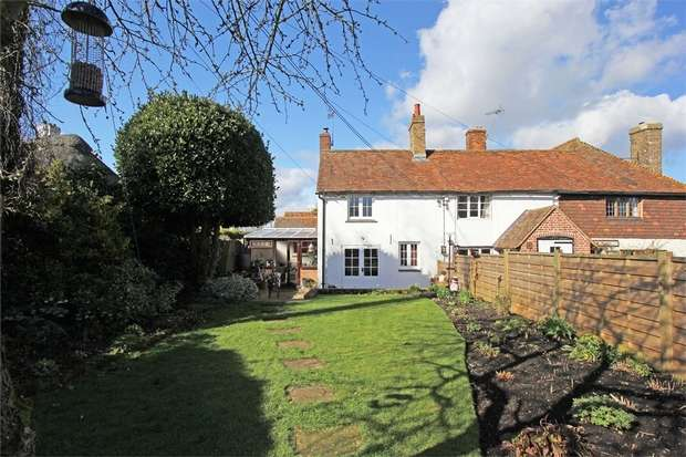2 Bedrooms Cottage House for sale in Tickham Lane, Lynsted, Sittingbourne, Kent