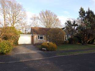 3 Bedrooms Bungalow for sale in Nightingales, West Chiltington, Pulborough, West Sussex