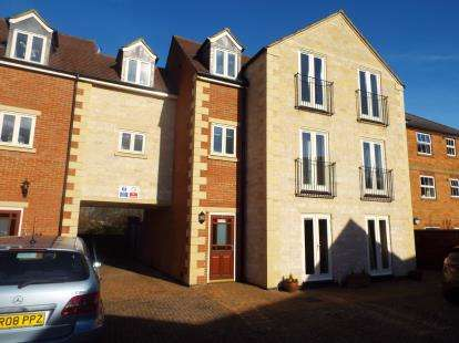 1 Bedroom Flat for sale in Lodge Stables, Burley Road, Oakham, Rutland