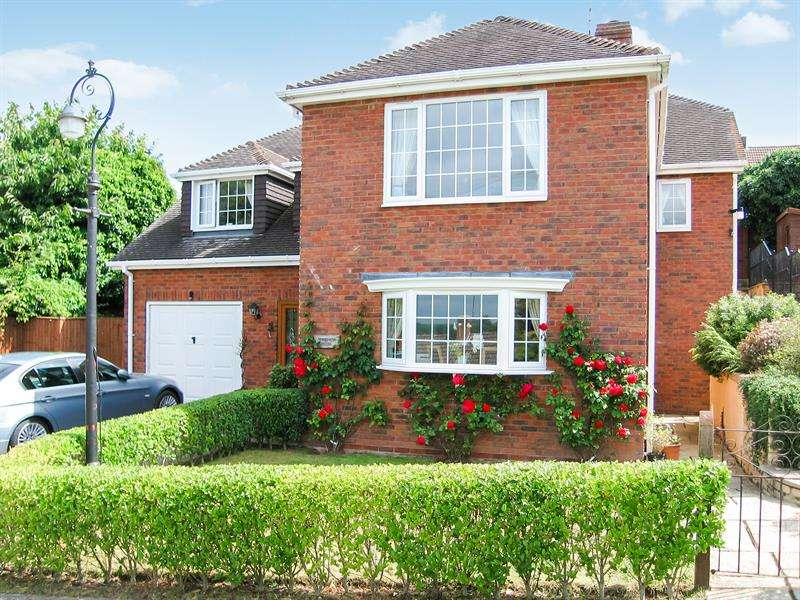 4 Bedrooms Detached House for sale in Fifth Avenue, Greytree, Ross-On-Wye