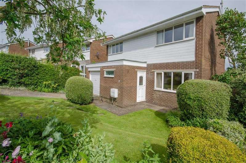 4 Bedrooms Detached House for sale in Avon Court, Mold, Mold
